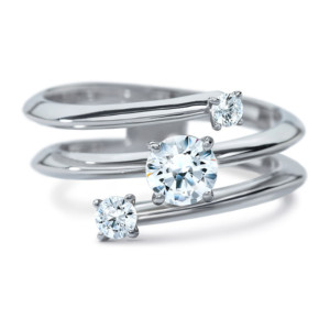 DIAMA 18k White Gold Swarovski Created Diamond Intimate Ring 025J