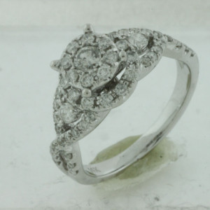 Royal Jewelers Diamond Engagement Ring (HWC5425DJ)